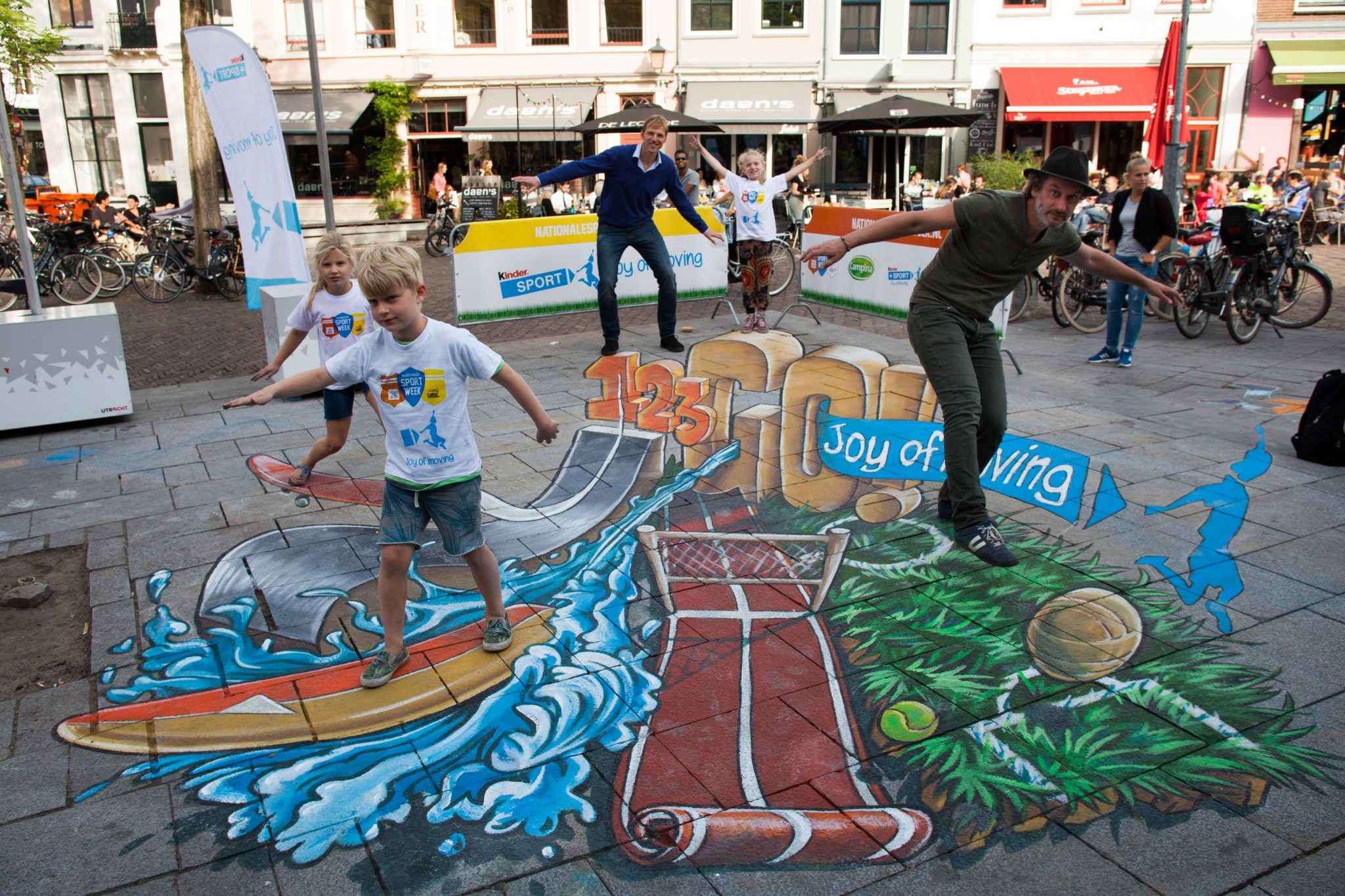 2basics-ferrero-nocnsf-joy-of-moving-streetart